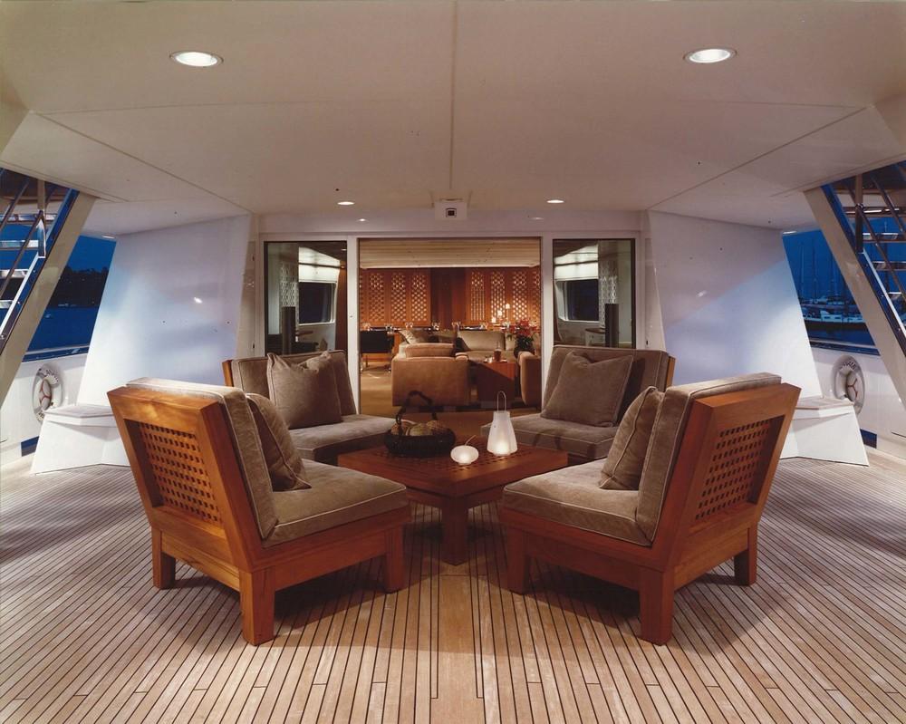 Motor Yacht 2 - Ronin - Sitting Area.jpg