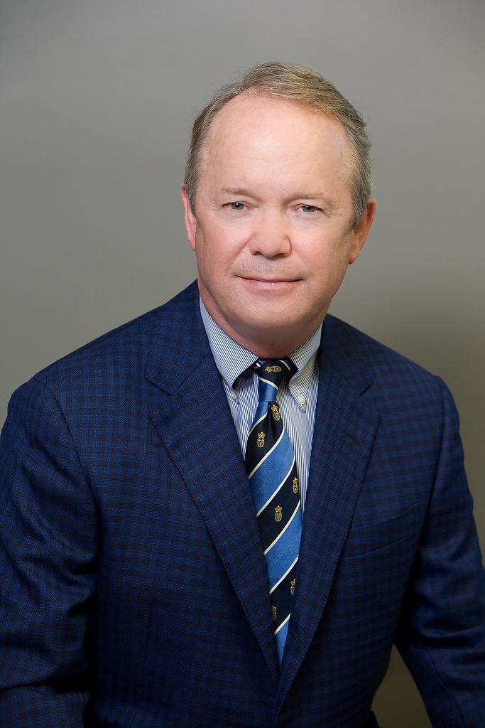 Dr.BramlettHeadshot002.JPG