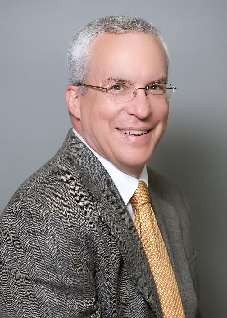 Dr.WeaverHeadshot001.JPG