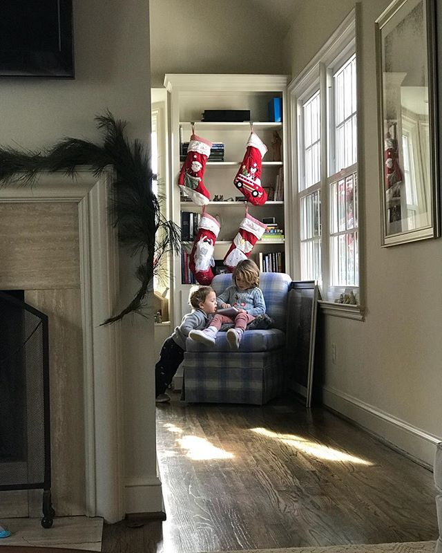 Soaking up the slower week. Day after Christmas. . . . . .  #childhoodunplugged #childrenofinstagram #documentaryphotography #marymargaretchamblissphotography #marymargaretchambliss #seekthesimplicity #documentaryfamilyphotography #documentyourloves