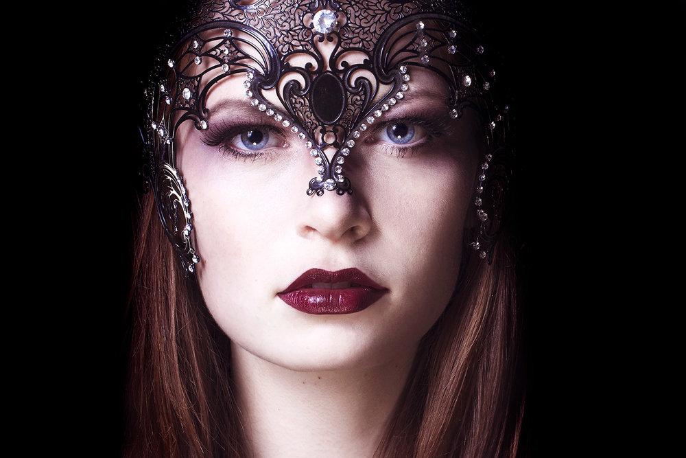 Model: Frida Kuhn