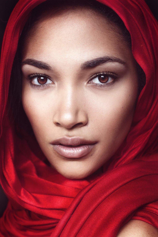 Model: Rachael Anders