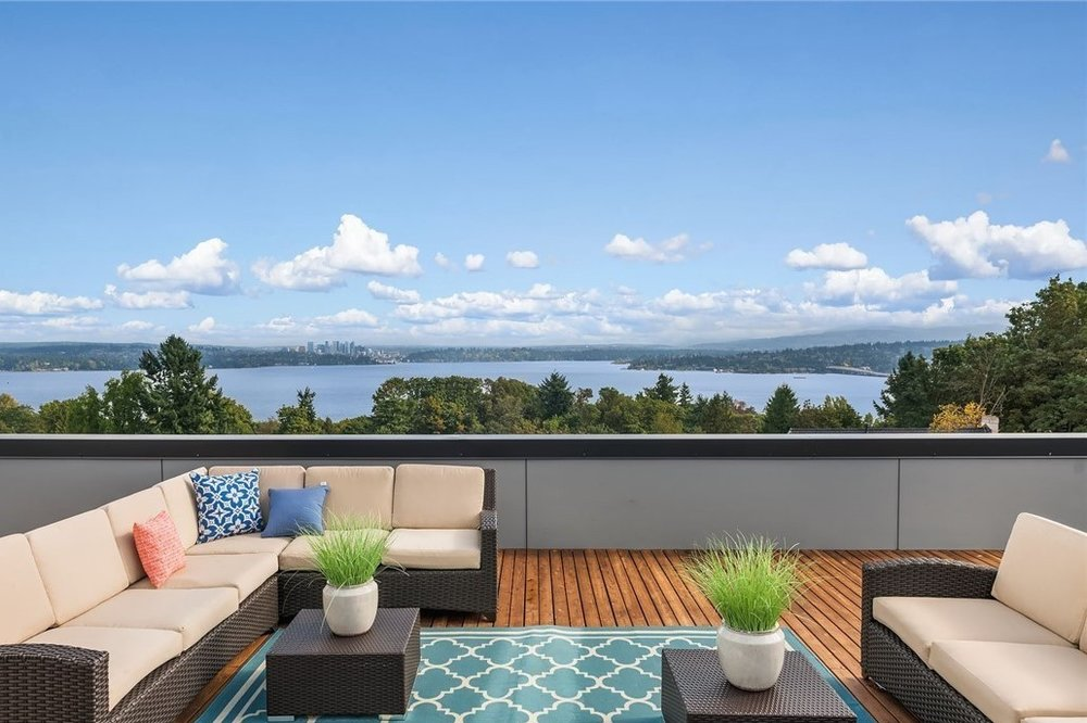 Leshi Roof Deck.jpg