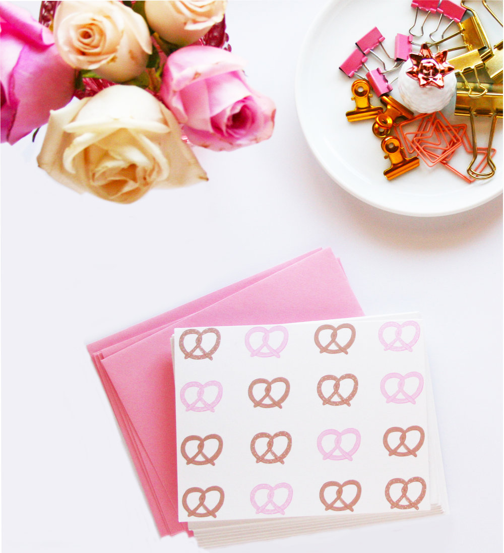 Pink Pretzel Pattern Stationery Set