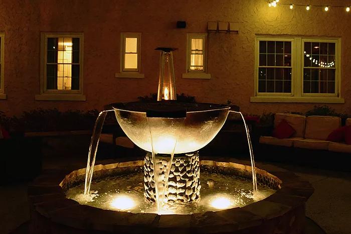 artmore-hotel-atl-courtyard