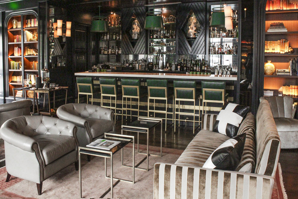 the-spaecator-hotel-bar-01.jpg