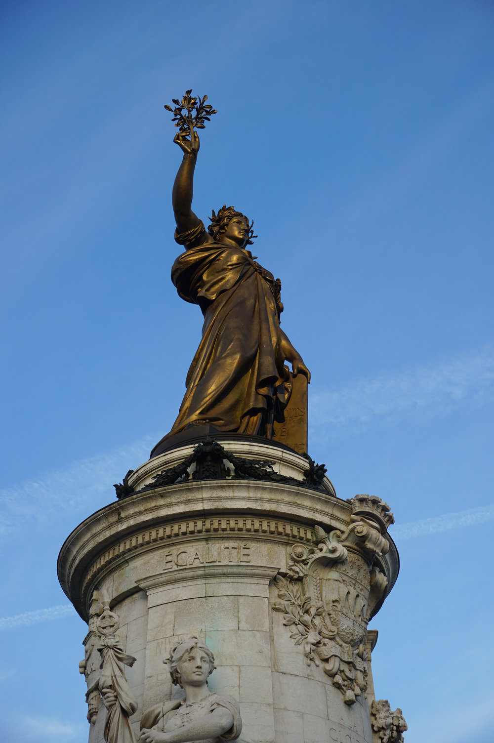 Pace de la Republique Statue in the 10th