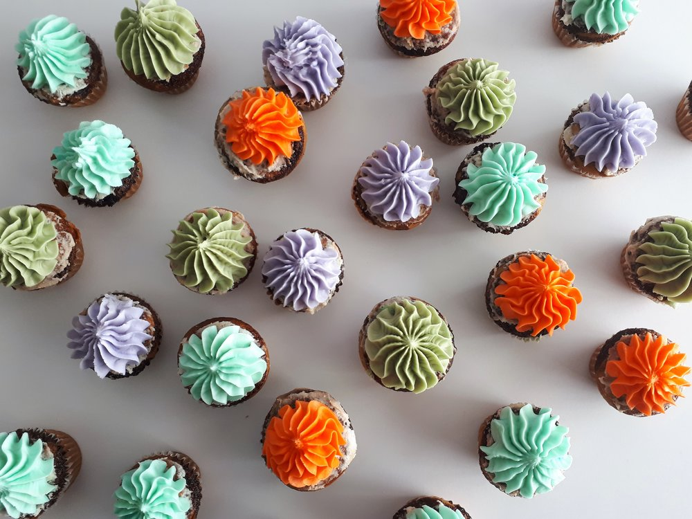 coffe cupcakes decorated.jpg