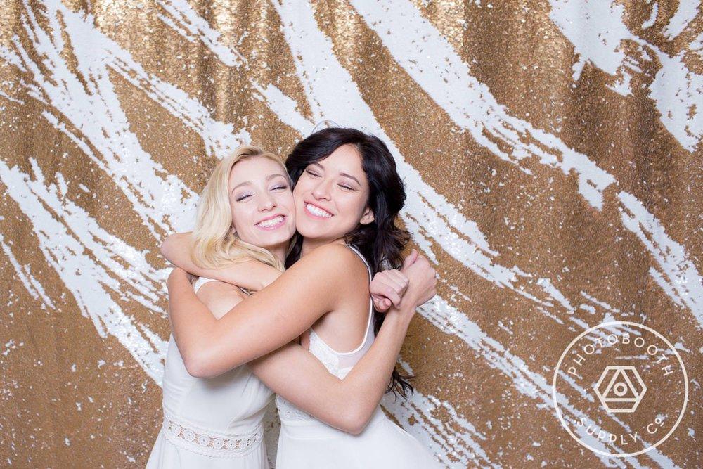 socialife-white-gold-reversible-sequin-backdrop-5.JPG
