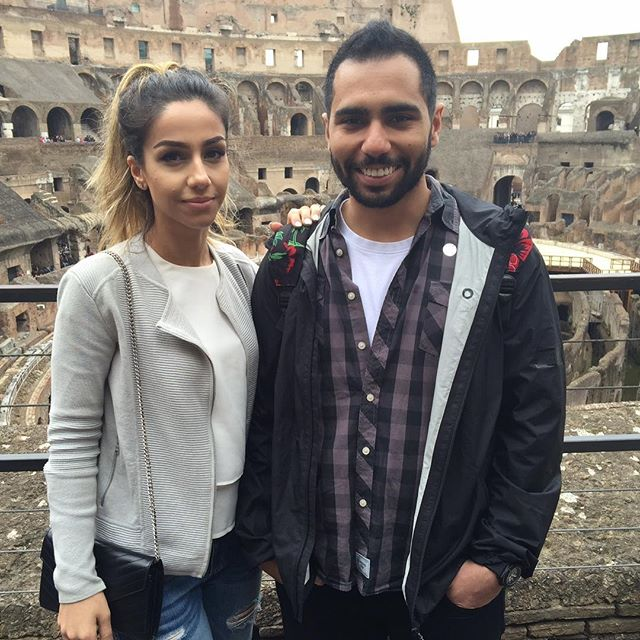 Where are all the pictures of you and #wifey the bros asked. And that one time you visited #rome ??? Why not kill two birds with one stone. 👌🏽 #love #lame #awe #shetotallydoesntlookhappybutipromiseitsthatsexysmolderinglook #clearlyshowingheroff #humblebrag #youonlygetone #relationship #wife #hashtag #muchskinniernow #gladiatortraining #truelove #shesgunnagetsuperembarrassedfromthis #longhashtags #wonderwoman #batman #sorryforalltheDCfansthatvisitthispost