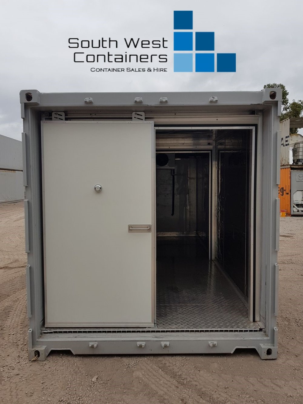 20ft Reefer With Doors Removed - Sliding Easy Door 2.jpg