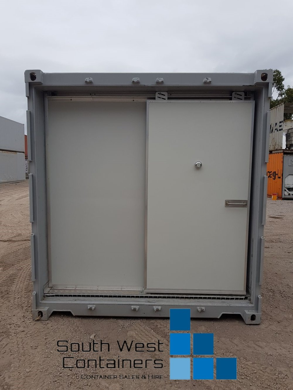 20ft Reefer With Doors Removed - Sliding Easy Door 6.jpg