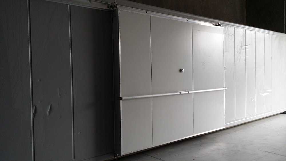 40ft Reefer with 3m Side Sliding Door - Closed.jpg