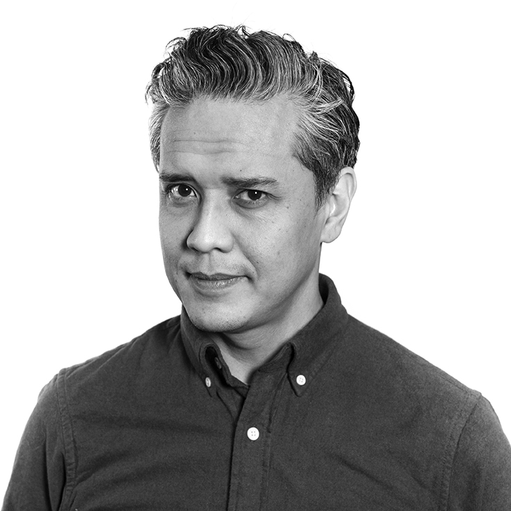 """Ismet Bachtiar Tlf: 948 10 317  E-post   Ismet Bachtiar er filmkonsulent på Filmveksthuset Tvibit med hovedfokus for """"nye medier"""" som interaktiv produksjon. Ismet er veldig opptatt av teknologi, popkultur og ikke minst, dataspill og har jobbet for større spillselskap som EA Playfish og Funcom."""