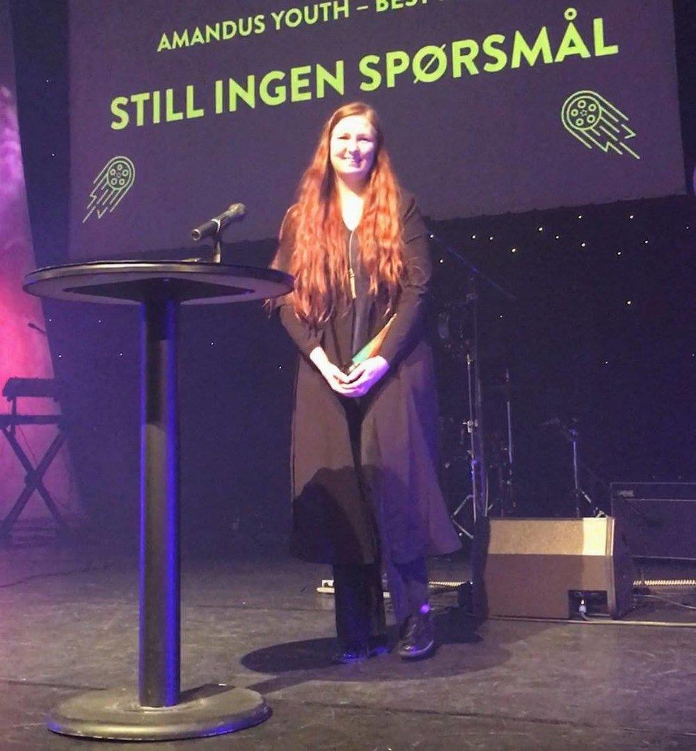 """Hanna Suni mottar pris for kortfilmen """"Still ingen spørsmål"""""""