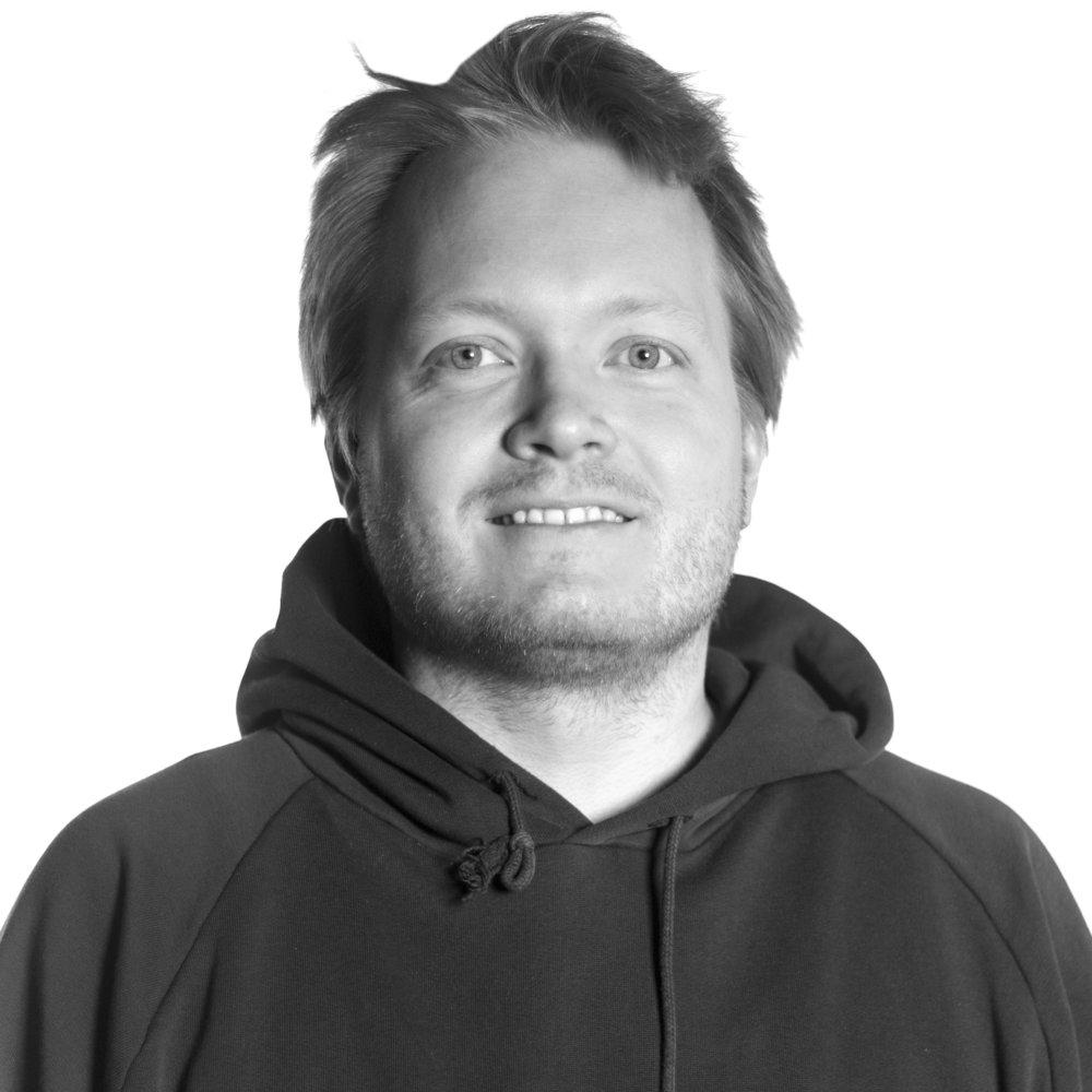 Helge-AndréHansen Tlf: 489 90 095 helge@tvibit.net Lydtekniker og ansvarlig for booking av øvingsrom og studiopplæring gjennom Musikkfabrikkene.
