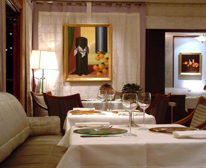 Vivendo_restaurant_Rome_tableware-handmade-glass.jpg
