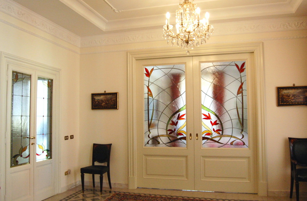 private-home-handmade-stainedglass-floral.JPG