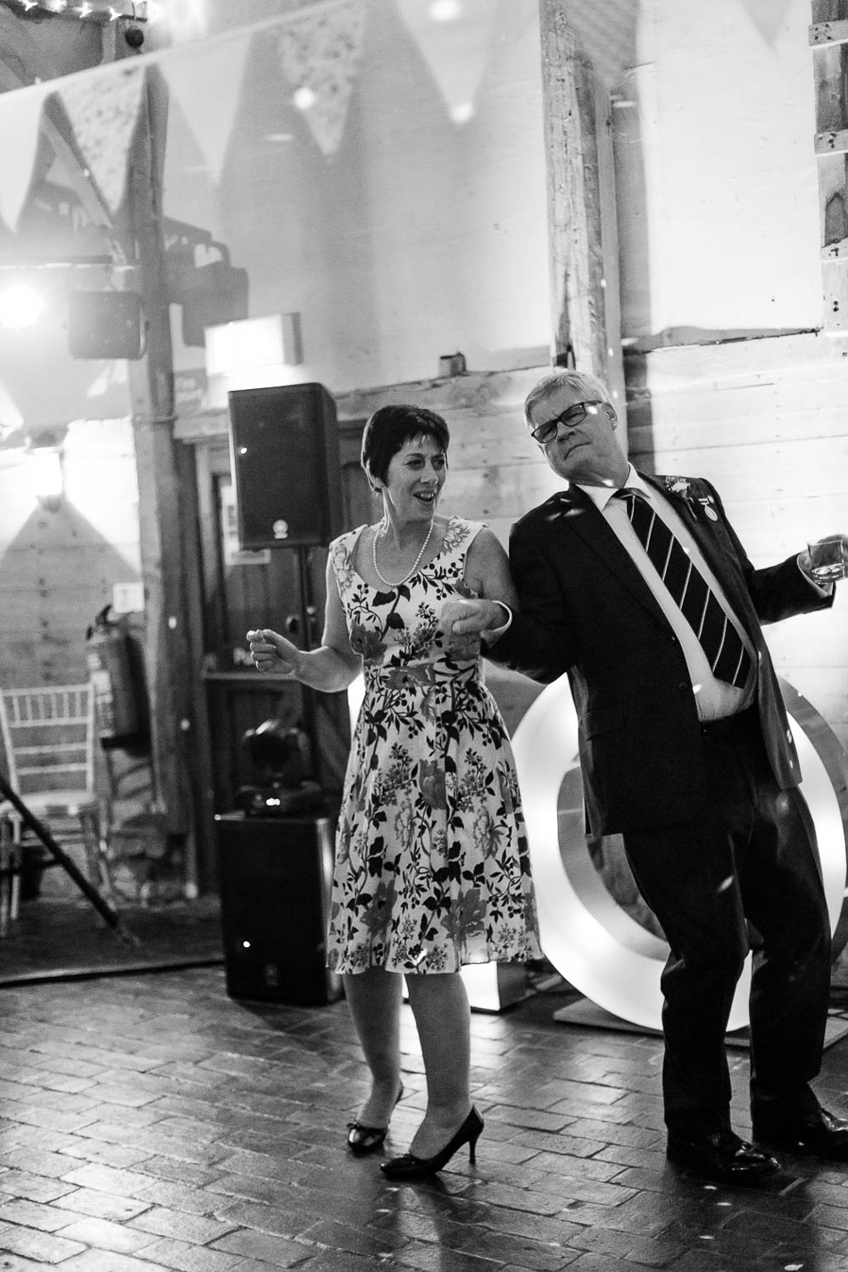 wedding-photographer-oxfordshire-film-photographer-chen-sands-hannah-wedding-cspblog-8.jpg
