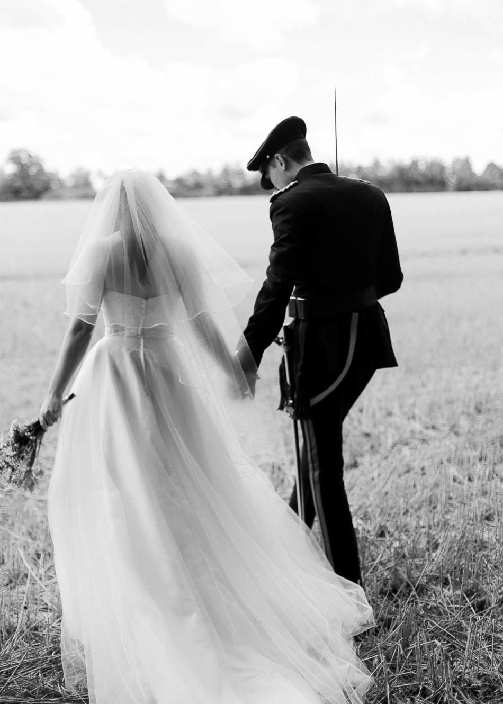 wedding-photographer-oxfordshire-film-photographer-chen-sands-hannah-wedding-cspblog-14.jpg