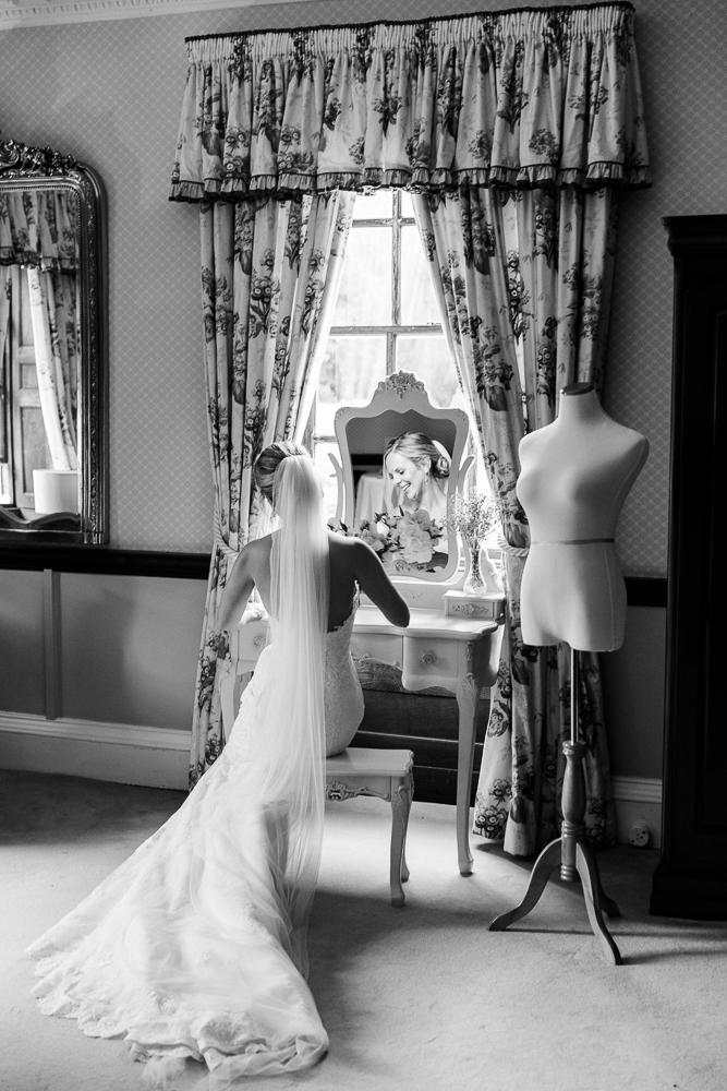 Chen Sands Kent Wedding Photographer Sprivers Mansion-7.jpg