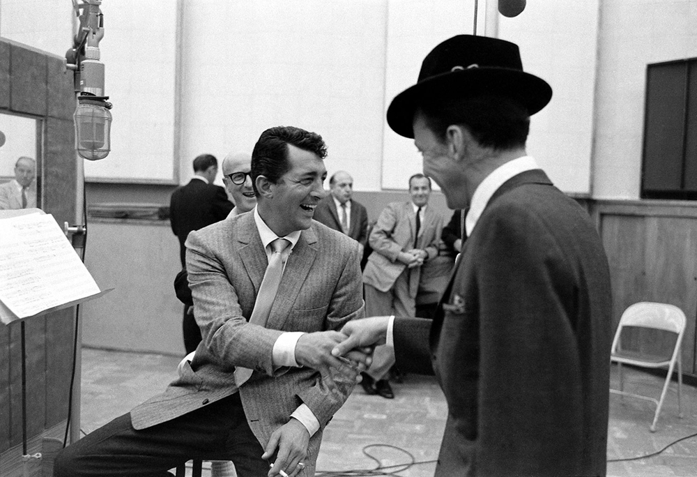 voxsart :      Studio Break.    Dean Martin, with Frank Sinatra.