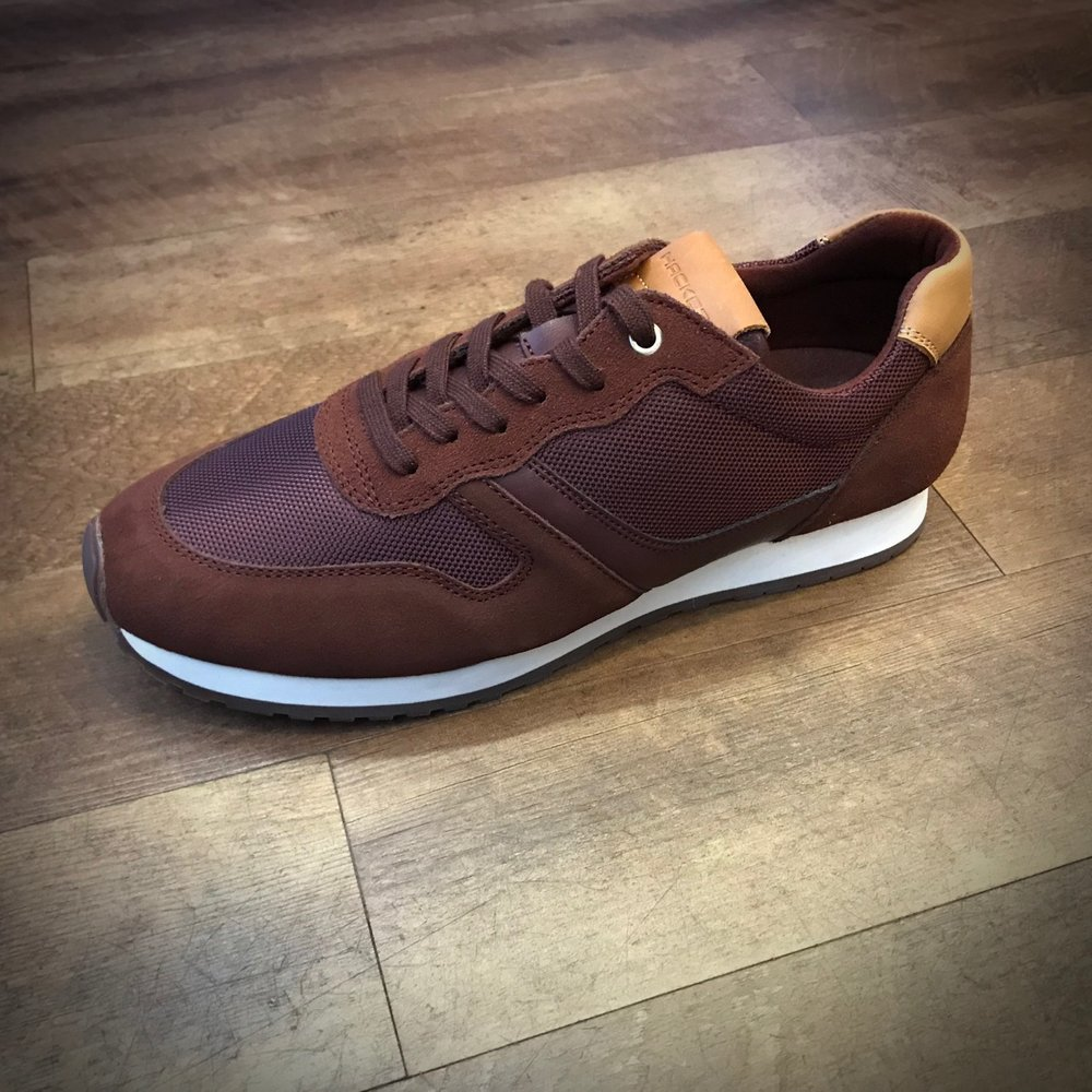 Hackett Trainer - Burgundy £75