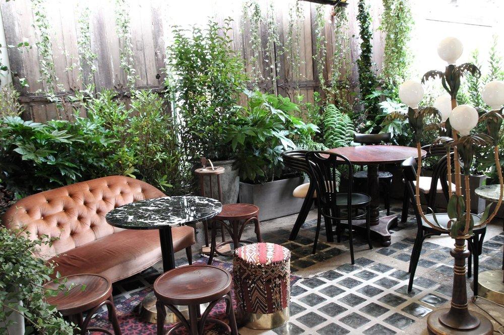 Restaurant-Bar-terrasse-Paris-VIns-des-pyrénées-le1905.jpg