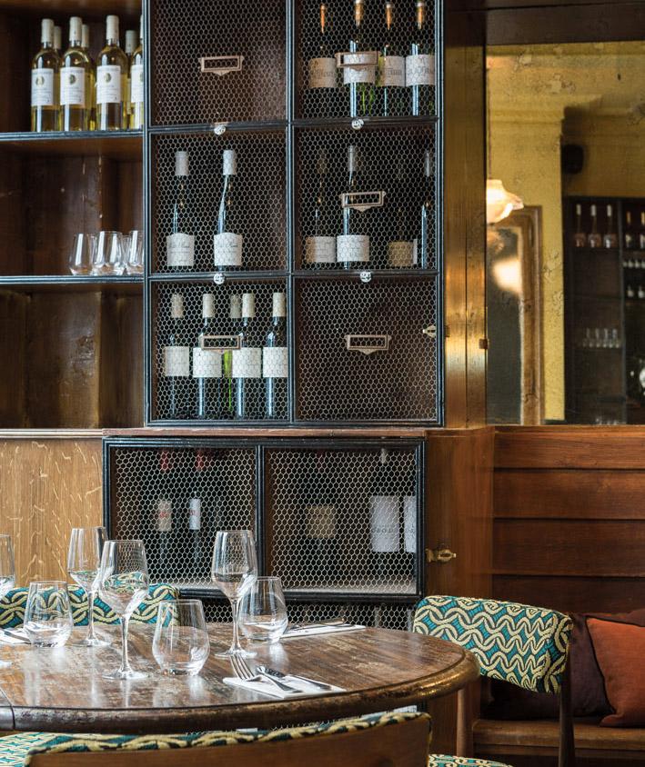 Restaurant-Paris-VIns-des-pyrénées-reservation-®Yann-Deret.jpg