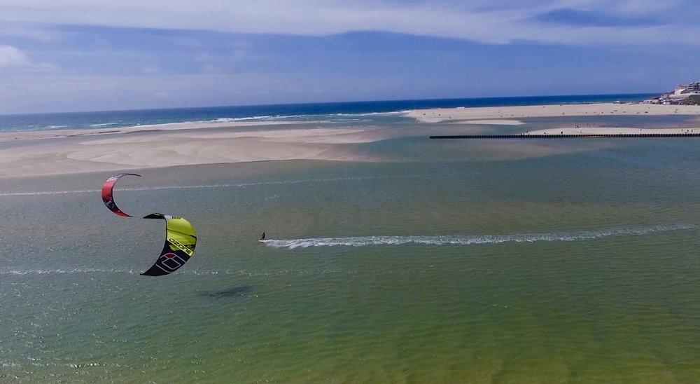 kitesurf school portugal kite control.jpg