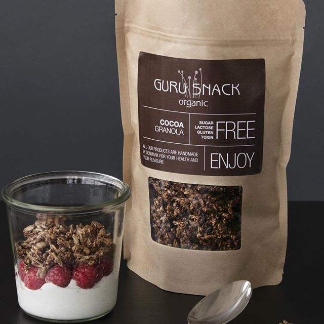 Hungry for an afternoon snack ? 🌱 Organic - no added sugar granola on top of your favorite skyr/yogurt 🙌🏻 #gurusnack #handmade in Denmark