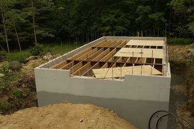 Deck-001.jpg