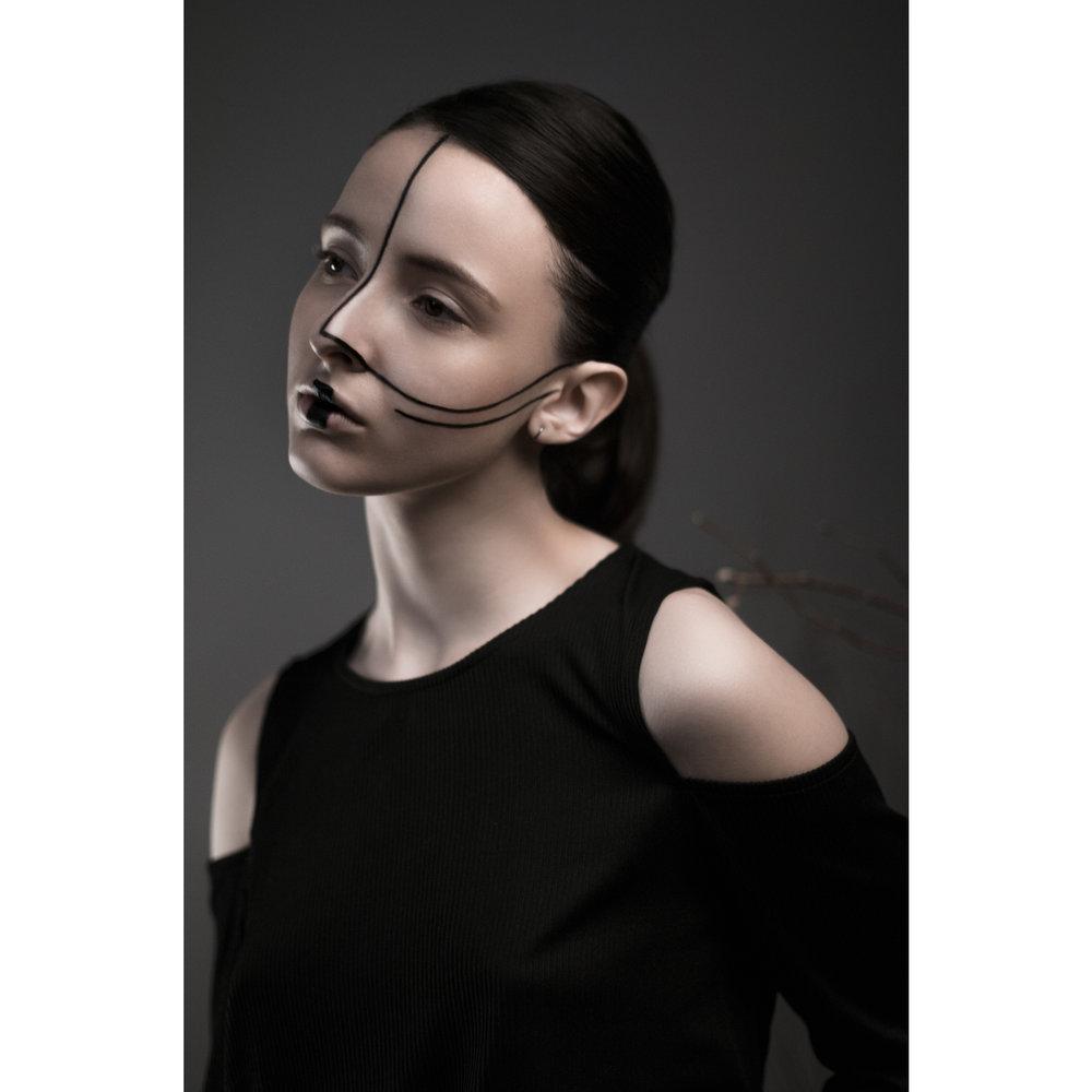 Model :  Anne-Claire Dufour  Muah :   Bérénice Lecouat