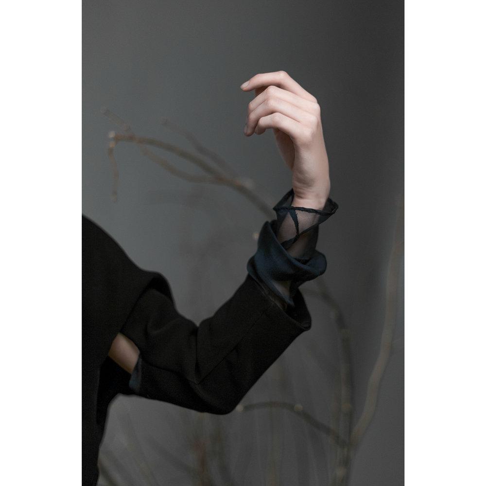 Top :  Aurélie Trivi   Model :  Anne-Claire Dufour