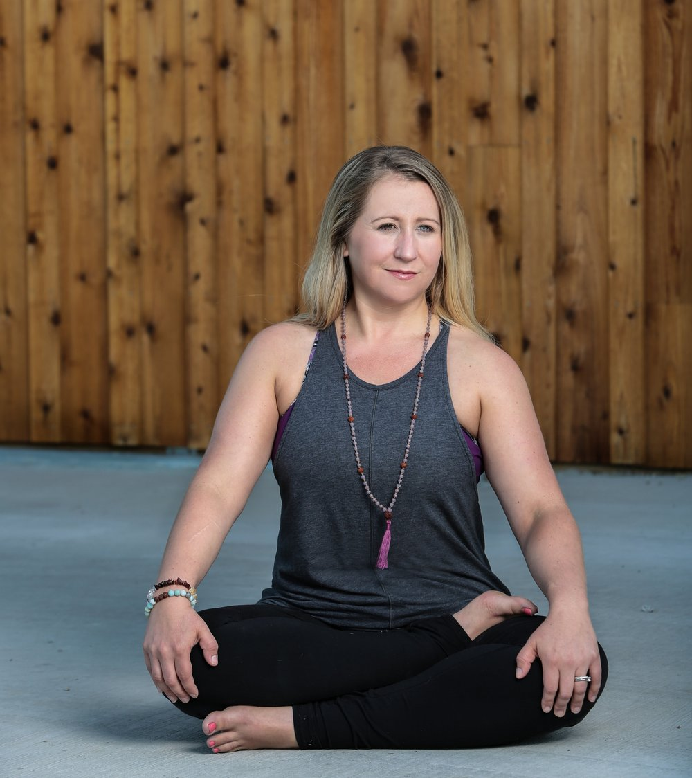 Hi! I'm Lauren - Prenatal & Postnatal Yoga Instructor, Mama of 2...and I'd love to be your guide. - I've coached hundreds of women in Chicago and in my Online programs, through the transformative experiences of pregnancy and early motherhood.I created the Mama Flow Yoga™ style and ReBIRTH Yoga™ to help my postpartum students gain strength and energy, rebuild their cores, reduce anxiety and learn to honor their powerful new bodies.