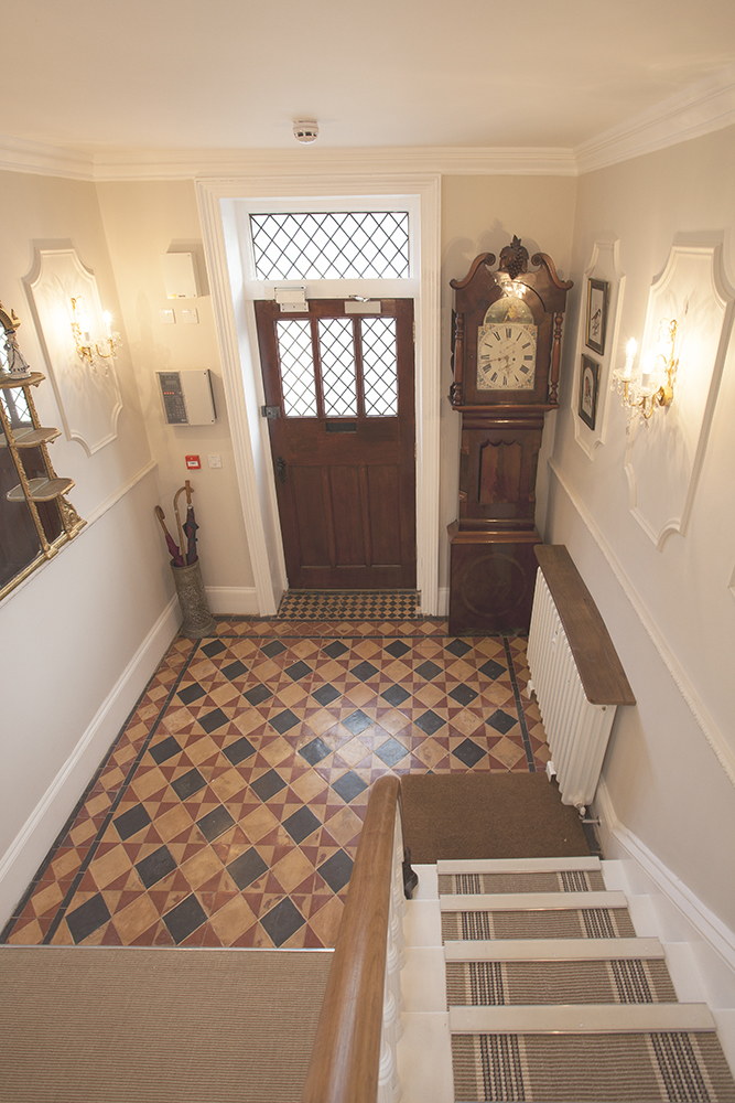 Victoria-House-Hallway.jpg