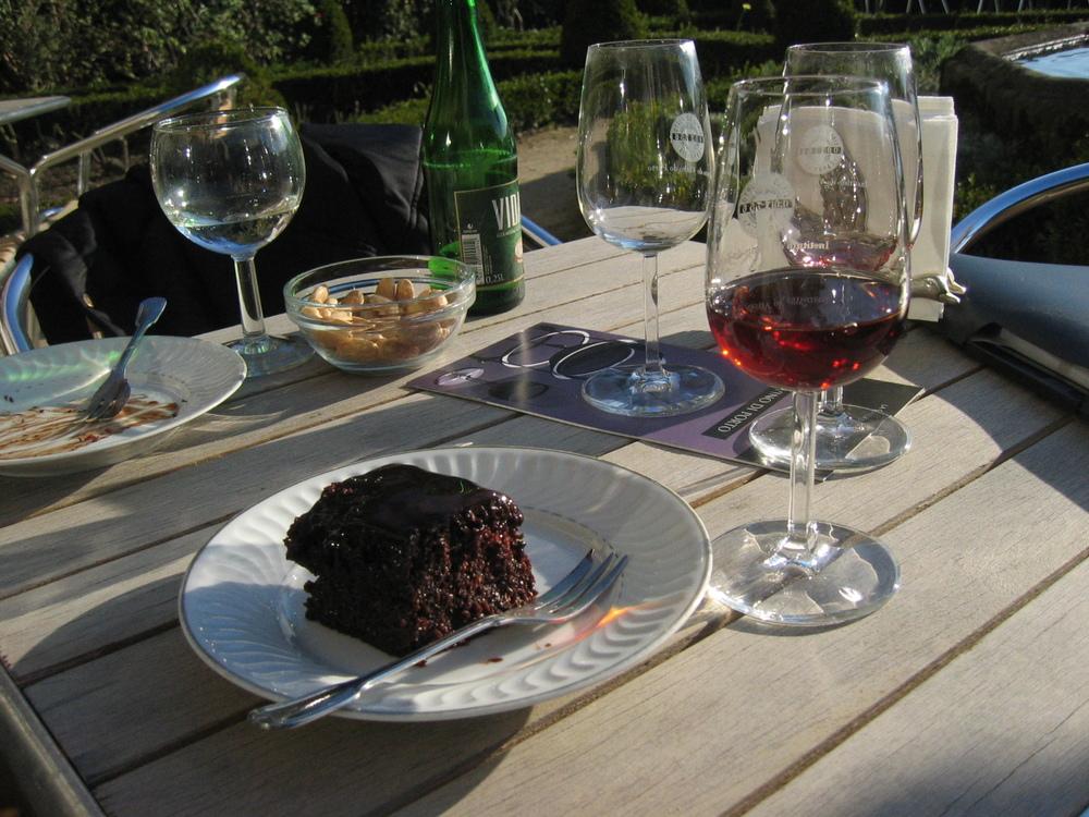 Sulla terrazza del Solao do Vinho do Porto, Porto