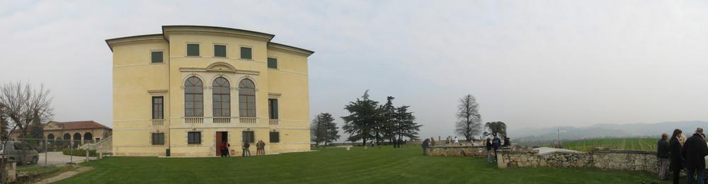 Panoramica esterna di Villa Favorita