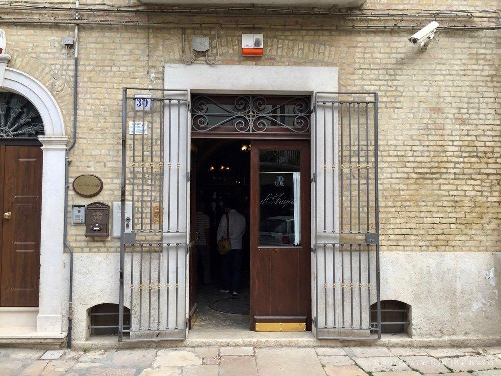 D'Araprì, l'ingresso