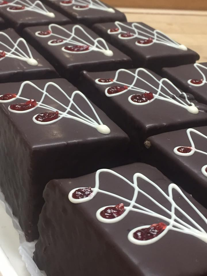 Chocolate Raspberry Cake Boxes