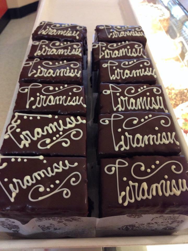Tiramisu Cake Box