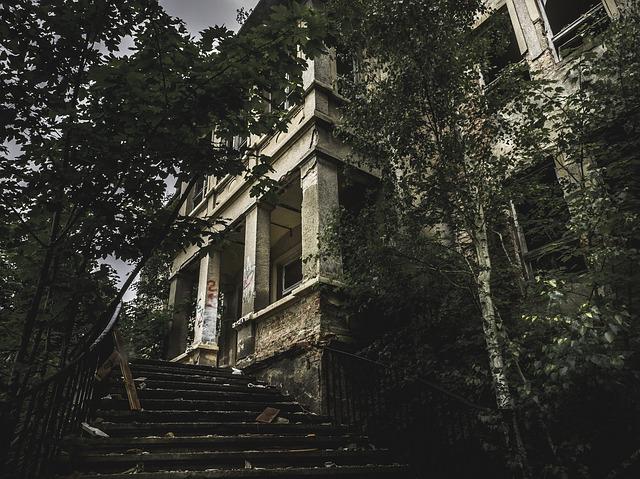 Scary Manor 1.jpg