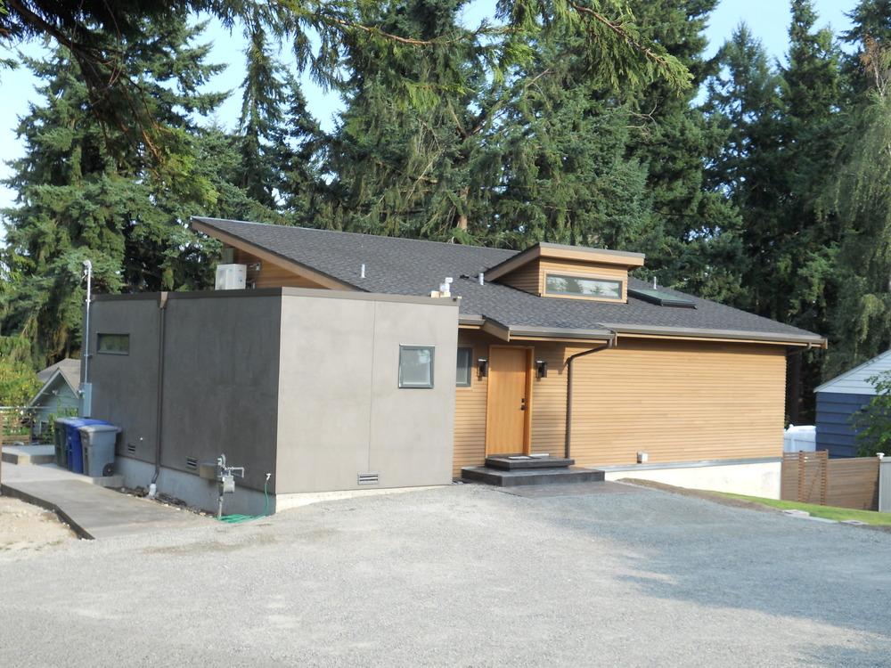 Lee Residence Front Entry 8-9-13.JPG