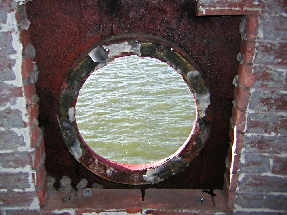 Porthole Room-104.JPG