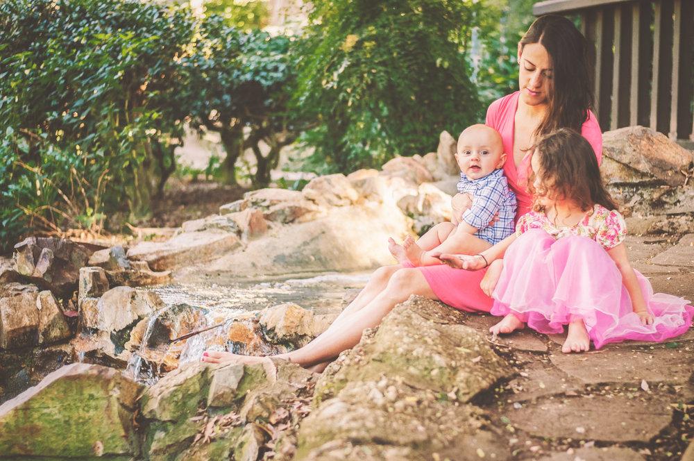 BLOGGER MOMMY AND CHILDREN IN WHITTIER-4.JPG