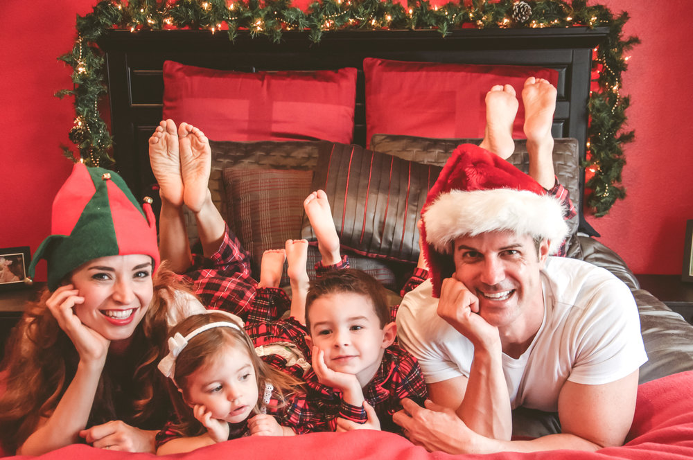 Laguna orange county in home family christmas photo session