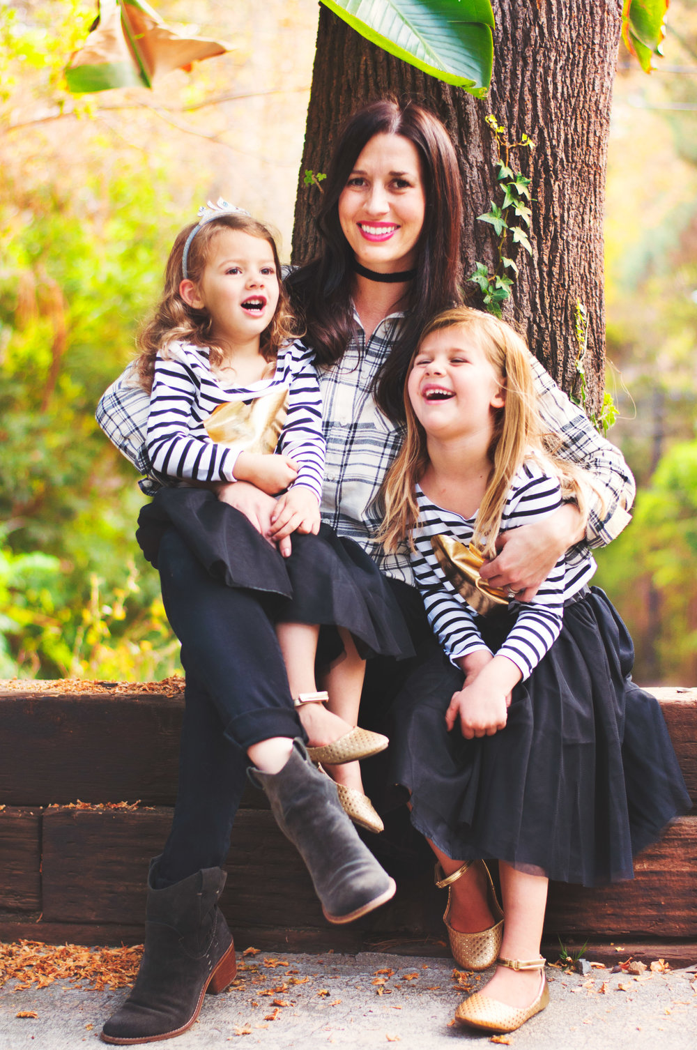 celebrity mommy and daughters laughing