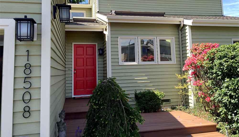 small_house_web.jpg