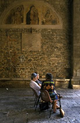 LADIES OF SIENA, ITALY