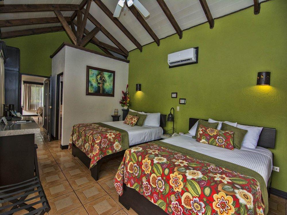 Hotel Arenal Springs Habitación.jpg